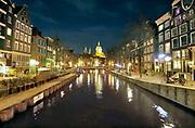 Nederland, Amsterdam, 5-3-2020Op de Wallen. Oudezijds Voorburgwal, basiliek van de heilige nicolaas.Foto: ANP/ Hollandse Hoogte/ Flip Franssen