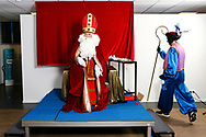 brussels Belgium 26 november 2017 Sinterklaas en Zwarte Piet bij Johnson Controls in Diegem