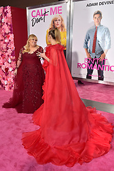 February 11, 2019 - Los Angeles, Kalifornien, USA - Rebel Wilson und Miley Cyrus bei der Weltpremiere des Kinofilms 'Isn't It Romantic' im Theatre at Ace Hotel. Los Angeles, 11.02.2019 (Credit Image: © Future-Image via ZUMA Press)