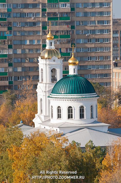 Оренбург - Никольская церковь днем, вид сверху