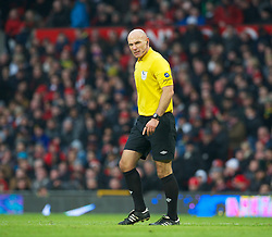 13.01.2013, Old Trafford, Manchester, ENG, Premier League, Manchester United vs FC Liverpool, 22. Runde, im Bild Referee Howard Webb takes charge during the English Premier League 22th round match between Manchester United and Liverpool FC at Old Trafford, Manchester, Great Britain on 2013/01/13. EXPA Pictures © 2013, PhotoCredit: EXPA/ Propagandaphoto/ David Rawcliffe..***** ATTENTION - OUT OF ENG, GBR, UK *****