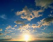 Ocean, cloud<br />