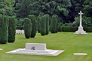 Duitsland, Kleef, 2-5-2019Vlak over de grens met Nederland ligt hier een Engelse begraafplaats, oorlogskerkhof van het gemenebest, commonwealth, waar uitsluitend piloten en vliegeniers, vliegtuigbemanningen, begraven zijn. Ook die van de neergeschoten,neergestorte, fameuze Dambusters .Foto: Flip Franssen