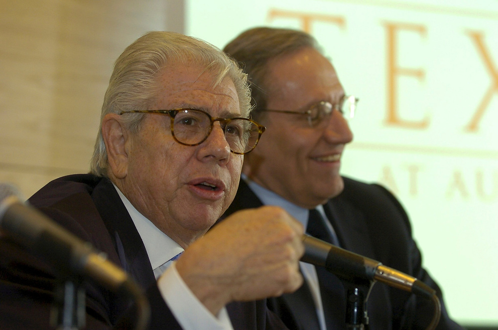 Austin, TX 03FEB05: Carl Bernstein and Bob Woodward speak at the University of Texas, which recently purchased their Watergate papers for the Woodward-Bernstein Watergate Archive at the Harry Ransom Humanities Research Center of the University ofTexas, in Austin.  ©Bob Daemmrich/