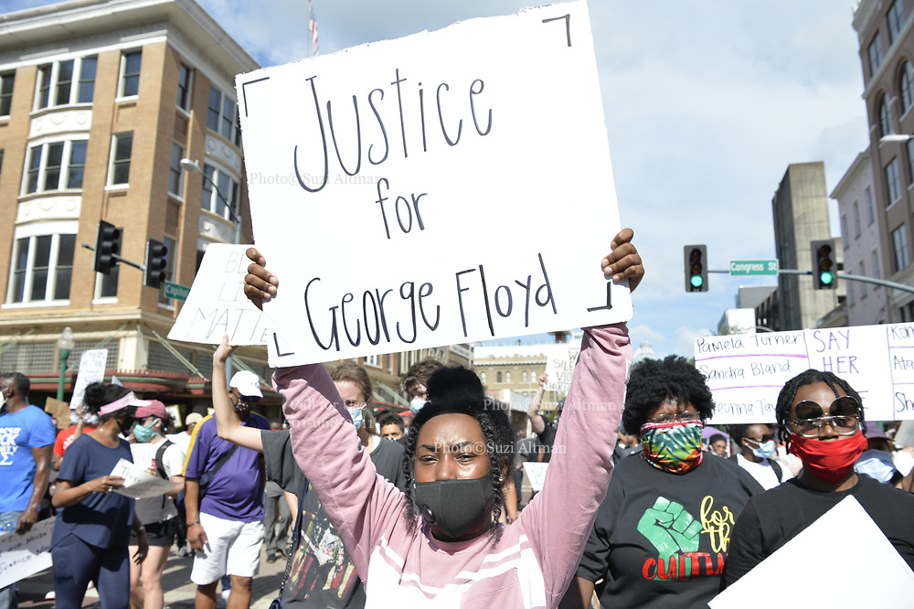"""6/6/2020 Jackson MS. <br /> Protestors of all ages and races gathered out side the Governor Mansion after a peaceful protest by Black Lives Matter, organized by 18yr old student Maisie Brown. AS the crowd chanted """"I can't breathe """" as the crown chanted _check his pulse.""""  """" I can't breathe"""" and """" justice for George Floyd, in addition to """" no justice No Peace in the 90 degree heat. Photo© Suzi Altman<br /> <br /> Student Maisie Brown 18yrs old from Jackson organized a peaceful protest outside the Governors Mansion. She said there voices would be heard and her face would be seen- change is coming. The protest was in honor of George Floyd and in support of ending systematic racism and to end police brutality in Mississippi and America. The National Black Panthers Party from Tupelo Mississippi showed up outside the Governors mansion in the shadow of the State Capitol to protest police brutality. The National Black Panthers Party was their to show their support for change in Mississippi, to end systemic racism and police brutality. Protests have broken out around the world in solidarity to end white supremacy and police brutality. The Panthers showed up at the end of a peaceful protest organized by 18yr old student Maisie Brown. The brutal murder of African American George Floyd by the knee and hands of 4 former Minneapolis Minnesota police officers has sparked a cry for justice and reform around the world. Photo copyright © Suzi Altman @suzialtman #mississippi #blm #blacklivesmatter #protest #icantbreathe #georgefloyd #endracism #policebrutality #documentary #history #suzialtman #iphonography #shotoniphone #zumapress #NBPP #panthers #blackpanthers #nationalblackpantherparty"""
