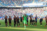 BILDET INNGÅR IKEK I FASTAVTALER. ALL NEDLASTING BLIR FAKTURERT.<br /> <br /> Fotball<br /> Tyskland<br /> Foto: imago/Digitalsport<br /> NORWAY ONLY<br /> <br /> 1. Bundesliga - Fußball - Hamburger SV - FC Ingolstadt 04 - Spiel ist aus Unentschieden, das Team geht zu den Fans Gratulation Jubel, mitte Torwart Ørjan Håskjold Nyland (1, FCI) 1. BL - FC Ingolstadt 04 Saison 2016/2017