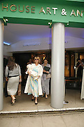 Basia Hamilton, The opening  day of the Grosvenor House Art and Antiques Fair.  Grosvenor House. Park Lane. London. 14 June 2006. ONE TIME USE ONLY - DO NOT ARCHIVE  © Copyright Photograph by Dafydd Jones 66 Stockwell Park Rd. London SW9 0DA Tel 020 7733 0108 www.dafjones.com