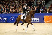 Stephanie de Korte - Zhara Obertje<br /> KWPN Hengstenkeuring 2012<br /> © DigiShots