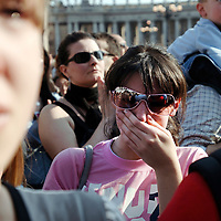 Vatican, 1 April 2005<br /> Believers pray for the Pope moments before he died.<br /> Photo: Ezequiel Scagnetti