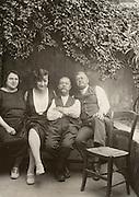 vintage family portrait 1928