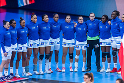 14-12-2018 FRA: Women European Handball Championships France - Netherlands, Paris<br /> Second semi final France - Netherlands / Line up France