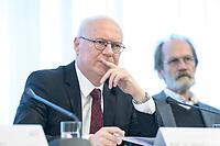 20 FEB 2020, BERLIN/GERMANY:<br /> Prof. Dr. Martin Detzel, Vorsitzender der AG 1der Kommission zur Ermittlung des Finanzbedarfs der Rundfunkanstalten, KEF, waehrend einer Pressekonferenz zur Uebergabe des 22. Bericht der KEF, Landesvertertung Rheinland-Pfalz<br /> IMAGE: 20200220-01-028