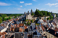 France, Indre-et-Loire (37), Loches, la cité médiévale, le Logis Royal et le chateau, Eglise St-Ours, vieille ville // France, Indre-et-Loire (37), Loches, Royal castle and dwelling, St-Ours church, old town