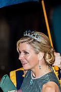 Koningspaar biedt Corps Diplomatique diner aan in het Paleis op de dam /// Royal Couple offers Corps Diplomatique dinner in the Palace on the dam<br /> <br /> Op de foto / On the photo:  Koningin Maxima / Queen Maxima