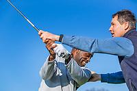 ARNHEM - Atleet Churandy Martina , sprinter op de golfbaan met les van Thomas IJland. COPYRIGHT KOEN SUYK