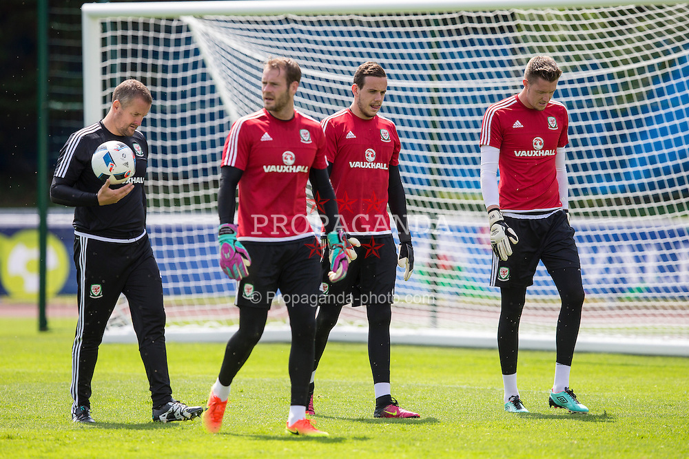 DINARD, FRANCE - Wednesday, June 22, 2016: Wales goalkeeping coach Martyn Margetson and goalkeeper's Owain Fon Williams, Daniel Ward and Wayne Hennessey during a training session at their base in Dinard as they prepare for the Round of 16 match during the UEFA Euro 2016 Championship. (Pic by Paul Greenwood/Propaganda)