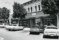1977 Larchmont Beauty Salon & Heidi's Youth Boutique on Larchmont Blvd.