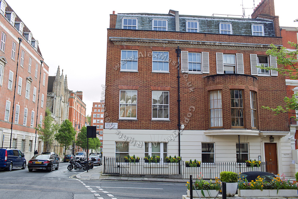8 Chesterfield Hill, (Mercantile Group HQ) is located in central London, United Kingdom.<br /> <br /> CREDIT: Alex Masi for The Wall Street Journal<br /> CHESTERTON<br /> <br /> The name of London real-estate agency Chesterton Humberts exudes English affluence. But in early 2011, as Libya was engulfed in revolution, a substantial stake in the firm was quietly acquired by the wealthy family of a longtime lieutenant to Moammar Gadhafi, according to a person with direct knowledge of the investment.