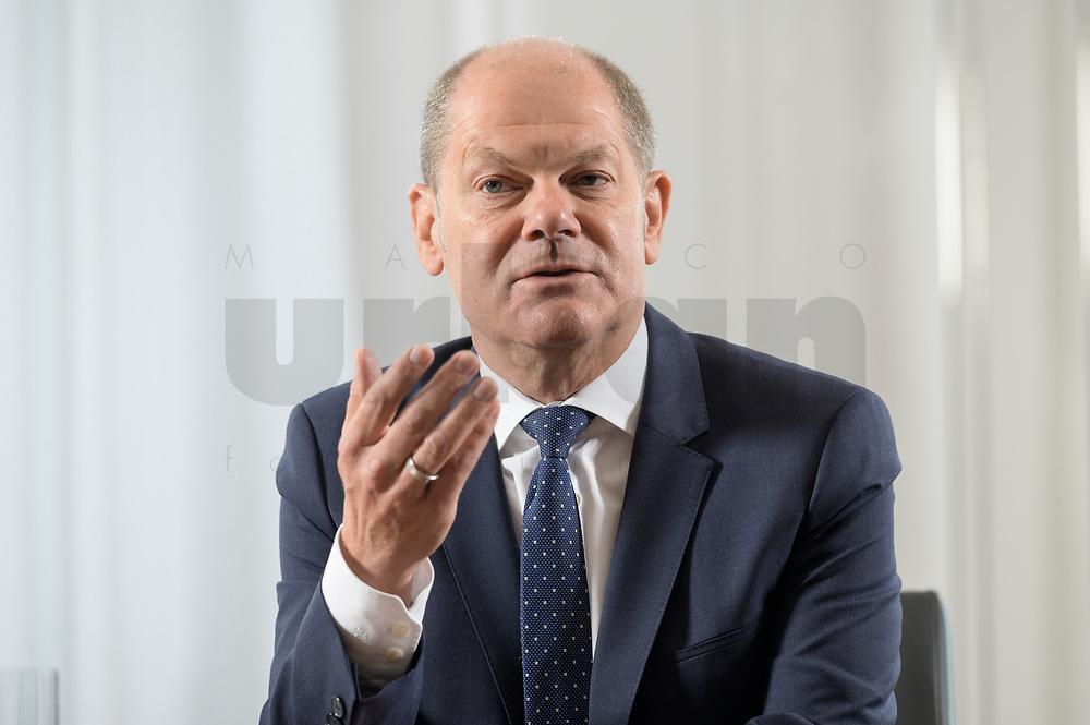 28 AUG 2020, BERLIN/GERMANY:<br /> Olaf Scholz, SPD, Bundesfinanzminister, waehrend einem Interview, Bundesministerium der Finanzen<br /> IMAGE: 20200828-01-019