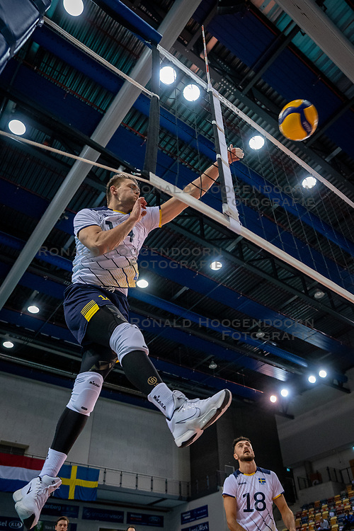 Jacob Link of Sweden in action during the CEV Eurovolley 2021 Qualifiers between Sweden and Croatia at Topsporthall Omnisport on May 15, 2021 in Apeldoorn, Netherlands