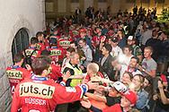 Die SC Rapperswil-Jona Lakers lassen sich am Fruehlingsfest Jona feiern, am 27. April 2018 nach der erfolgreichen Saison als Cupsieger, Swiss League Meister und Aufsteiger in die National League, bei der St. Galler Kantonalbank Arena. (Thomas Oswald)