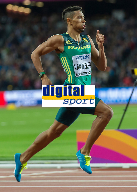 Athletics - 2017 IAAF London World Athletics Championships - Day Five, Evening Session<br /> <br /> Mens 400m Final<br /> <br /> Wayde Van Niekerk (South Africa) leads the field home down the home straight to victory at the London Stadium<br /> <br /> COLORSPORT/DANIEL BEARHAM