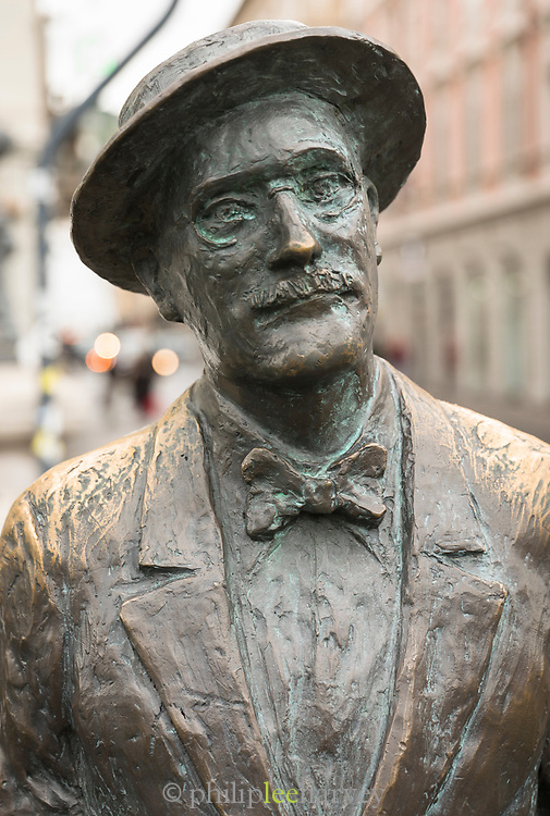 Close-up of bronze statue of writer James Joyce on Grand Canal, Via Roma, Trieste, Italy