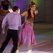 NLD/Hilversum/20060818 - Opname RTL Sterren Dansen op het IJs, Laura Vlasblom met schaatspartner Cedric Laignier