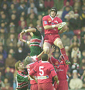Leicester. ENGLAND. Welford Road. 14.12.2002. Pool Game in the<br /> European Heineken Cup Rugby <br /> Leicester Tigers vs Beziers<br /> Francois Mounier   [Mandatory Credit:Peter SPURRIER/Intersport Images]