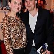 NLD/Amsterdam/20110209 - Premiere Blind Vertrouwen, Cas Jansen en partner Annelieke Bouwers