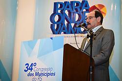 O candidato ao governo do Estado José Ivo Sartori durante o 34º Congresso de Municípios, no Plaza São Rafael, em Porto Alegre. FOTO: Vinícius Costa/Agência Preview