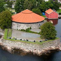Christiansholm festning i Kristiansand sett fra luften en august dag.