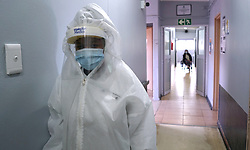 South Africa - Cape Town - 280720.  A nurse in full PPE in the isolation ward of the Kensington Home for the Aged.  Gloves, aprons, long sleeved gowns, surgical masks, eye goggles, face visors and respirator masks are all examples of personal protective equipment (PPE) worn by healthcare personnel to treat patients infected with diseases such as COVID-19.   Picture: Ian Landsberg/African News Agency (ANA).