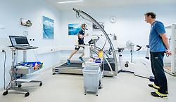 02.05.2016, Bezirkskrankenhaus, St. Johann i.T., AUT, OeSV, Skisprung, Sportmedizinische Untersuchung, im Bild f.l.: Michael Hayböck (AUT) und Cheftrainer Heinz Kuttin (AUT) // Michael Hayboeck of Austria and Headcoach Heinz Kuttin of Austria during the medical examination of the Austrian Skijumping Team at the Sports Medicine Institute, St. Johann i.T. on 2016/05/02. EXPA Pictures © 2016, PhotoCredit: EXPA/ JFK