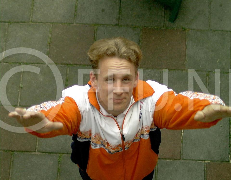 Fotografie Uijlenbroek©1999/Frank Uijlenbroek.990617 ommen ned.ewald jurgens naar gymstrada in gothenburg met trampolinespringen