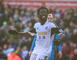 19.01.2014, Liberty Stadion, Swansea, ENG, Premier League, Swansea City vs Tottenham Hotspur, 22. Runde, im Bild Swansea City's Wilfried Bony looks dejected after missing, chance against Tottenham Hotspur // during the English Premier League 22th round match between Swansea City AFC and Tottenham Hotspur at the Liberty Stadion in Swansea, Great Britain on 2014/01/19. EXPA Pictures © 2014, PhotoCredit: EXPA/ Propagandaphoto/ David Rawcliffe<br /> <br /> *****ATTENTION - OUT of ENG, GBR*****