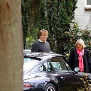 Prins Friso op bezoek bij zijn tandarts Bert van Aalten in Laren
