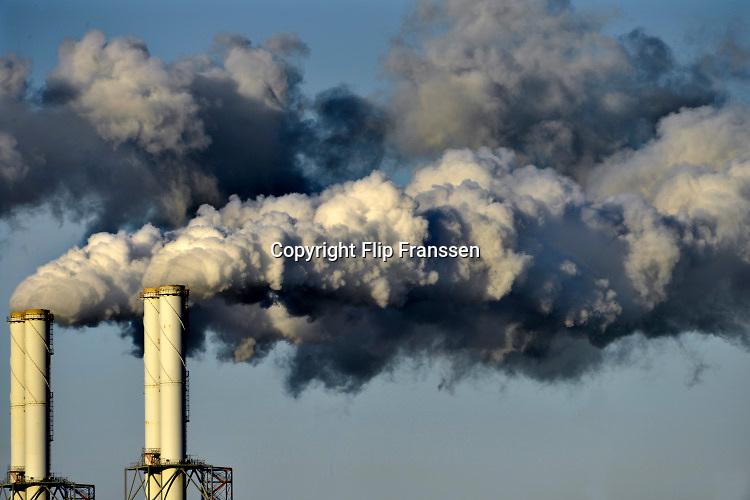 Nederland, Rotterdam, 10-2-2020 De elektriciteitscentrale van Eon, E-on. Kolencentrale op de 2e Maasvlakte.  Foto: Flip Franssen