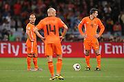 ©Jonathan Moscrop - LaPresse<br /> 06 07 2010 Cape Town ( Sud Africa )<br /> Sport Calcio<br /> Uruguay vs Olanda - Mondiali di calcio Sud Africa 2010 Semi finale - Stadio Punto Verde<br /> Nella foto: delusione dell'Olanda dopo la rete del 1-1 di Diego Forlan<br /> <br /> ©Jonathan Moscrop - LaPresse<br /> 06 07 2010 Cape Town ( South Africa )<br /> Sport Soccer<br /> Uruguay versus Holland - FIFA 2010 World Cup South Africa Semi final - Green Point Stadium<br /> In the photo: dejected Holland players pictured after Diego Forlan's goal levelled the scores at 1-1