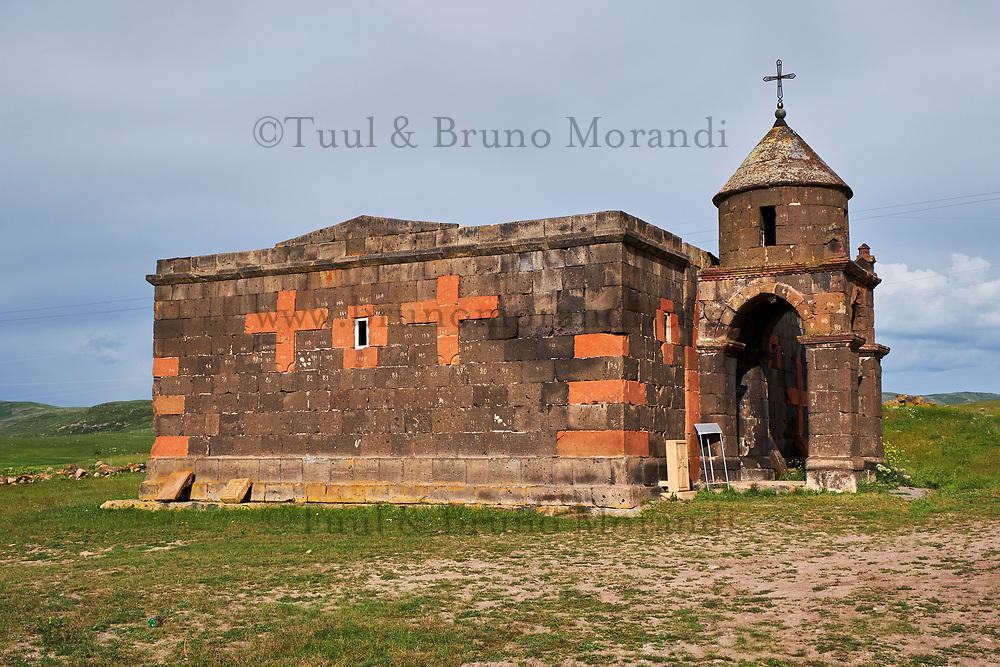 Armenie, eglise dans les environs d'Erevan // Armenia, church around Yerevan
