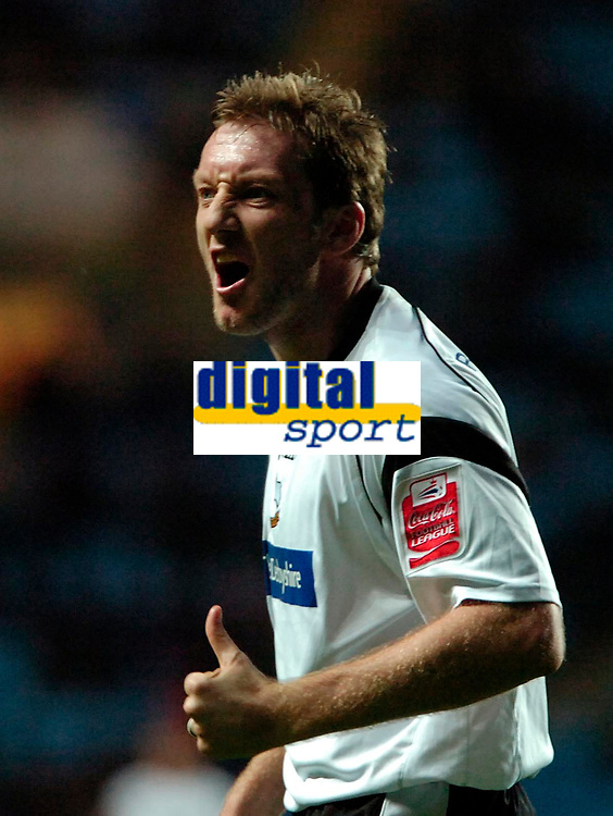 Photo: Ed Godden.<br />Coventry City v Derby County. Coca Cola Championship. 11/11/2006. Derby's Steve Howard disagrees with the linesman.