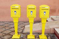 Maroc, Haut Altas, Marrakech, ville impériale, médina classée Patrimoine Mondial de l'UNESCO, boites aux lettres // Morocco, Marrakech, French design letter box