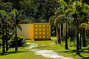 Brumadinho_MG, Brasil...Centro de Arte Contemporanea Inhotim (CACI). Na foto a obra de Helio Oiticica, Invencao da cor, Penetravel Magic Square # 5, De Luxe, 1997...The Inhotim Contemporary Art Center (CACI). In this photo the art of Helio Oiticica, Invencao da cor, Penetravel Magic Square # 5, De Luxe, 1997...Foto: BRUNO MAGALHAES / NITRO