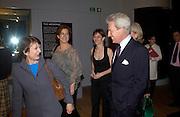 Arts Minister, Tessa Jowell and the Earl of Lichfield.  Art Deco 1910-1939, V. & A. 26 March 2003. © Copyright Photograph by Dafydd Jones 66 Stockwell Park Rd. London SW9 0DA Tel 020 7733 0108 www.dafjones.com