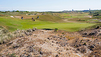 DOMBURG - green van hole 5/14 van de Domburgsche Golf Club in Zeeland (Walcheren) . rechts de nieuwe duinen. COPYRIGHT KOEN SUYK