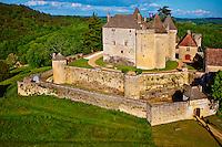 France, Aquitaine, Dordogne (24), Perigord Noir, vallee de la Dordogne, Sainte-Mondane, le chateau de Fenelon  // France, Aquitaine, Dordogne, Perigord Noir, Dordogne valley, Sainte-Mondane, Fenelon castle