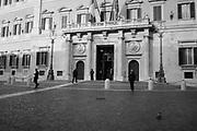 Piazza Montecitorio, Roma 7 dicembre 2017. Christian Mantuano / OneShot<br /> <br /> Montecitorio square, Rome 7 December 2017. Christian Mantuano / OneShot