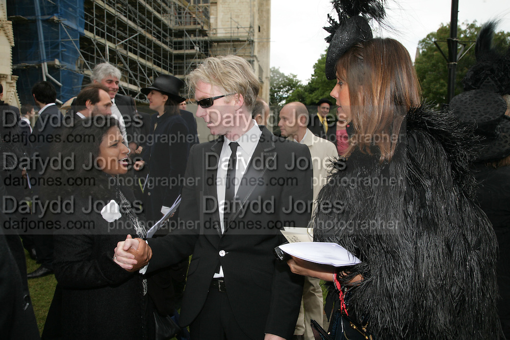 Philip Treacy and Countess Debbie von Bismark, Funeral for Isabella Blow. Gloucester Cathedral. 15 May 2007.  -DO NOT ARCHIVE-© Copyright Photograph by Dafydd Jones. 248 Clapham Rd. London SW9 0PZ. Tel 0207 820 0771. www.dafjones.com.