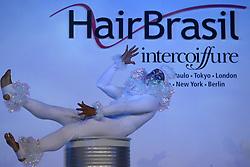 """Show """"Cirque"""" apresentado pela equipe de Jaques & Janine na Hair Brasil 2007, maior evento de beleza da América Latina, realizado de 13 a 17 de abril, no Expo Center Norte, na zona norte de São Paulo. FOTO: Jefferson Bernardes/Preview.com"""