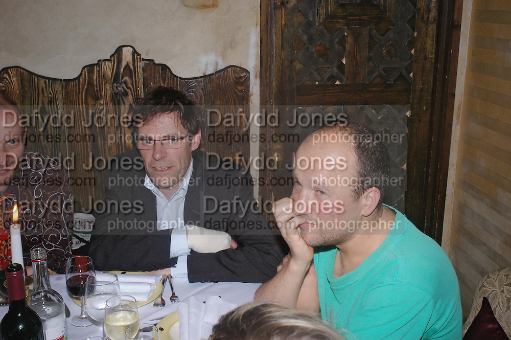 Dexter Dalwood and Paul Noble. Andreas Slominski private view and dinner after wards at Pacha. Gloucester Place. London. 24 April 2005. ONE TIME USE ONLY - DO NOT ARCHIVE  © Copyright Photograph by Dafydd Jones 66 Stockwell Park Rd. London SW9 0DA Tel 020 7733 0108 www.dafjones.com